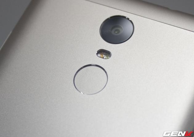 Cảm biến vân tay ở mặt sau Redmi Note 3