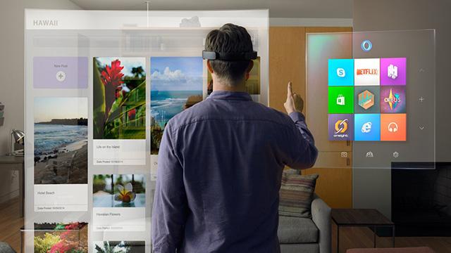 HoloLens là chiếc kính thực tế ảo rất hứa hẹn từ Microsoft