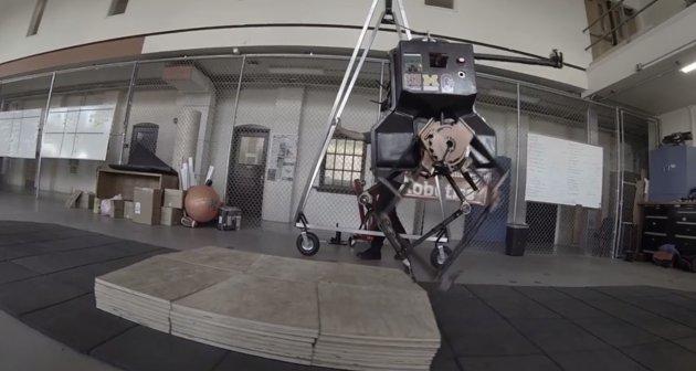 Robot né chướng ngại vật không cần đến những bộ nhận diện hình ảnh.