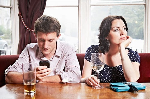 Làm thế nào để chấm dứt cơn nghiện smartphone đây?