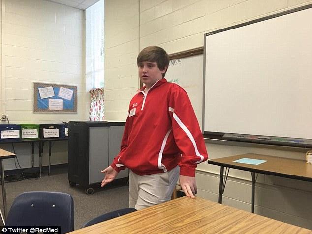 Taylor vẫn còn đang học lớp 8.
