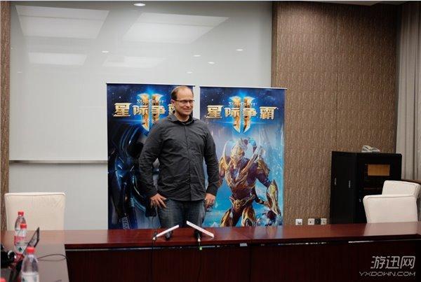 Giám đốc sản xuất Tim Morten của Blizzard Entertainment tại sự kiện WCS Trung Quốc.