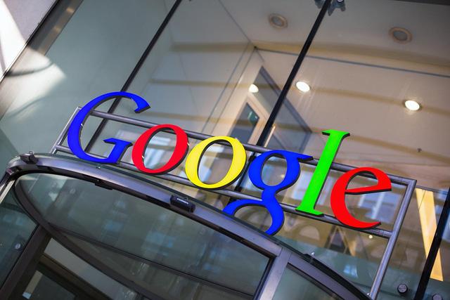 Google cũng đã triển khai một biện pháp cơ cấu tương tự Facebook, để đảm bảo quyền điều hành gần như sẽ thuộc về các lãnh đạo hiện tại cho tới khi họ qua đời.