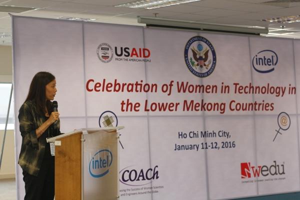 Bà Sherry Boger,Tổng giám đốc Intel Products Việt Nam - Ảnh: H.Đ