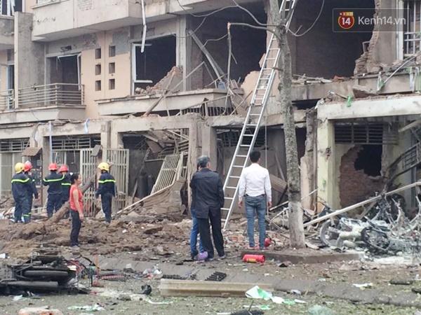 Khung cảnh tan hoang sau vụ nổ