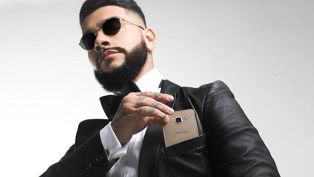 Rapper Nga Timati tham gia chiến dịch quảng cáo cho điện thoại thông minh Samsung, cụ thể là dòng Galaxy A