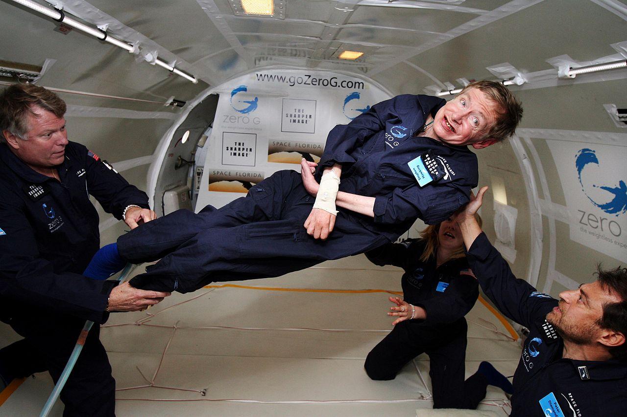 Nhà vật lý học Stephen Hawking trong môi trường không trọng lực