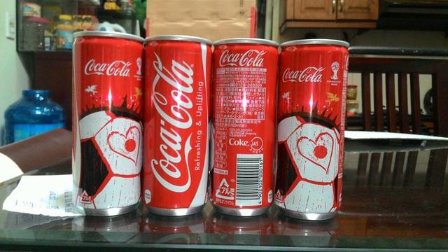 Sản phẩm Coca-Cola lon cao ở thị trường Nhật Bản.