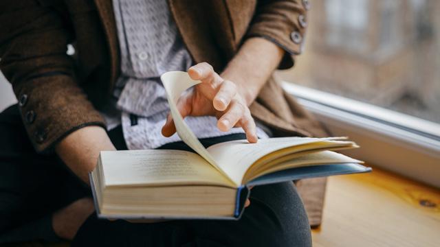 Học code có thể mang lại giá trị như đọc một cuốn sách quý. Nhưng bạn phải lựa chọn sách nào nên đọc, sách nào không. Đọc sâu đến như thế nào, và đọc xong thì làm gì tiếp.