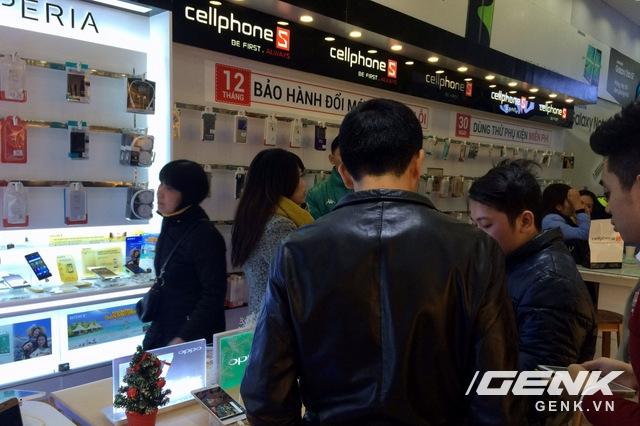 Nhiều smartphone tầm trung, giá rẻ đang được người dùng săn tìm trong đợt giảm giá này.