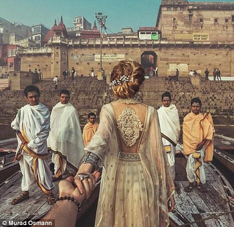 Một trong những bức ảnh được chụp tại Varanasi