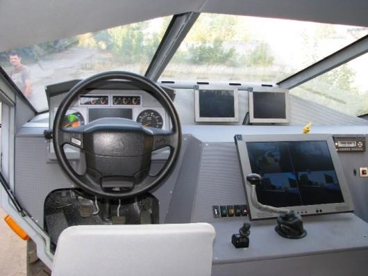 Bên trong buồng lái của chiếc xe Batman Nga
