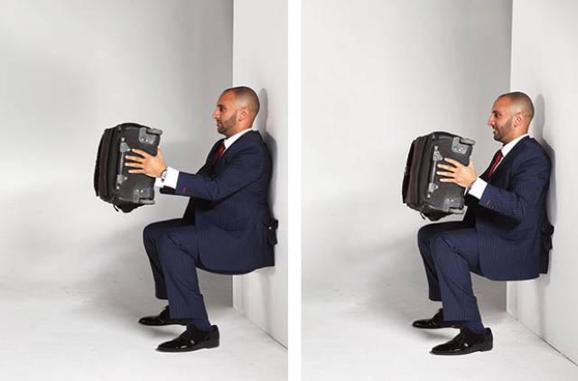 Với 5 phút tập sức mạnh, bạn có thể tập bài tập ngồi dựa tường này