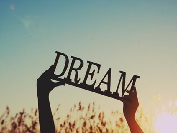 Trò chuyện cùng những tỷ phú thời gian, chúng tôi mới hiểu, thì ra, họ cũng có rất nhiều giấc mơ lãng mạn của tuổi trẻ.