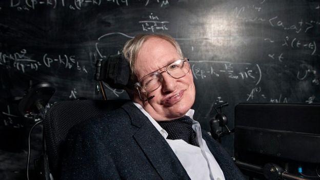 Giáo sư Hawking nghĩ rằng du hành liên sao có thể chuyển mình từ giấc mơ thành hiện thực.