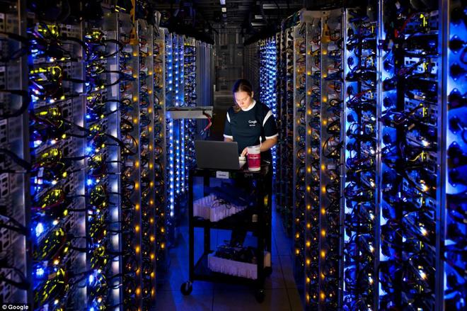 Google lại tự xây dựng cơ sở hạ tầng riêng linh hoạt.