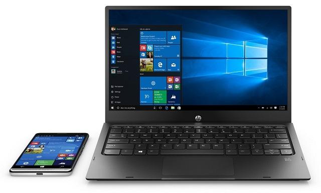 1 năm trước, bạn sẽ không thể tin được rằng chiếc laptop bên phải chỉ là một phụ kiện của chiếc smartphone bên trái.