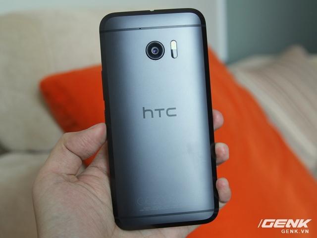 Chiêm ngưỡng chiếc HTC 10 phiên bản màu đen tại thị trường Việt Nam