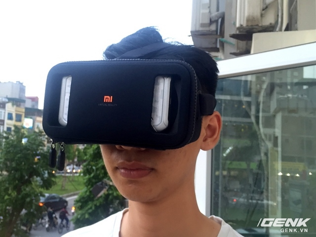Cảm giác đeo Xiaomi Mi VR hơi cứng