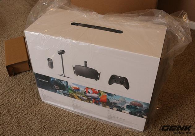 Hộp đựng của Oculus Rift.