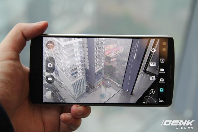 Camera sau của LG V10 lại cho màu sắc theo tông lạnh, kém rực rỡ, nhưng hơn về độ chân thực.