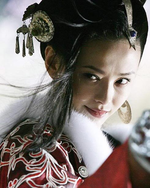 Tiêu Thục Thận trong vai Hà Thiết Thủ phim Bích Huyết Kiếm (2007)