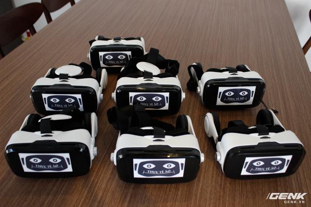 Kính thực tế ảo BoboVR Z4 được quán trang bị khoảng 20 chiếc để phục vụ khách hàng một cách tốt nhất.