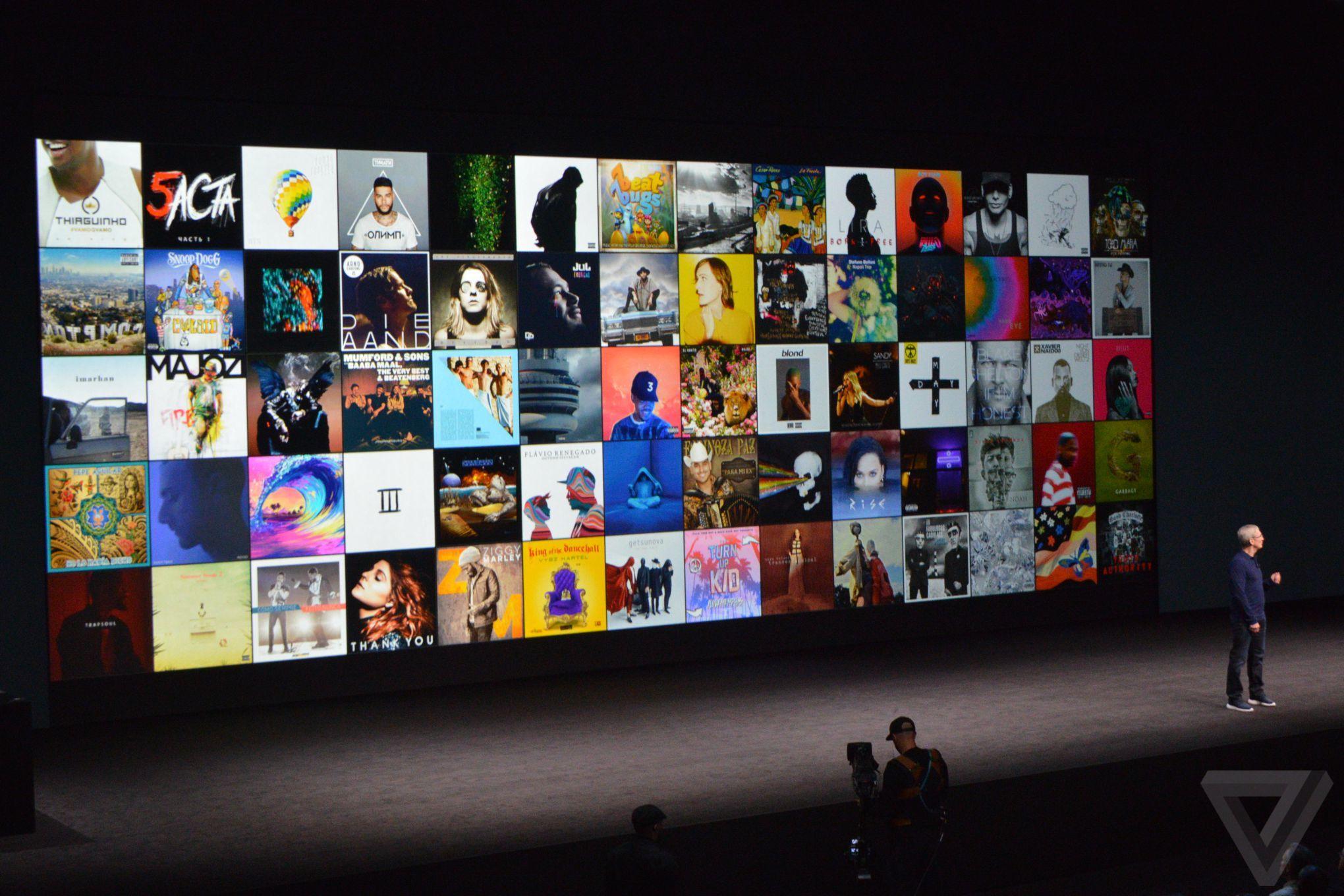 Tim Cook mở màn bằng Apple Music.
