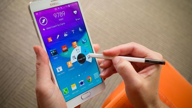 Samsung muốn thu hút khách hàng mới bằng smartphone tân trang. Ảnh: Blog.mtel.