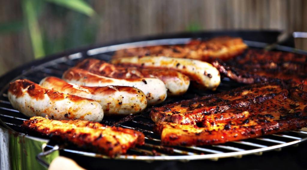 Thịt đỏ, nhất là những sản phẩm qua chế biến sẽ làm gia tăng nguy cơ ung thư