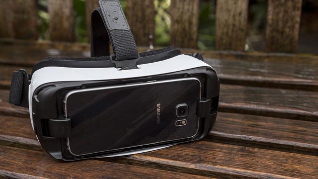 Sony đã không thể tìm được những hướng đi mới, nhưng Samsung vẫn còn nhiều hy vọng.