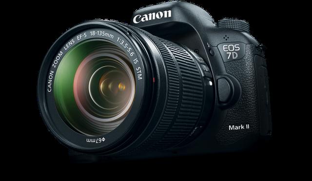 Canon 7D Mark II là mẫu máy ảnh sử dụng cảm biến APS-C (22,4 x 15mm) tiếp nối thành công của chiếc Canon 7D đã ra mắt được tròn 5 năm