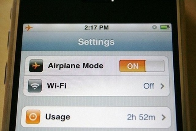 % 20Putting% 20your% 20phone% 20into% 20airplane% 20mode% 20will% 20charge% 20it% 20twice% 20as% 20fast