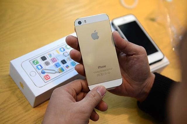 iPhone 5S chính hãng hiện có giá khoảng 15,5 triệu đồng cho bản 16GB.