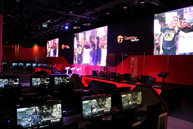 Inside-Garena_s-first-ever-gaming-experience-store-in-Asia.jpg