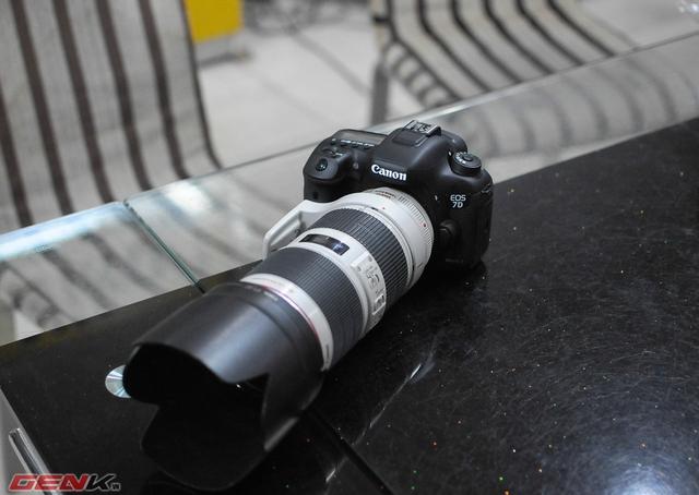 Canon 7D Mark II cùng ống kính 70 - 200mm f2.8L ISII