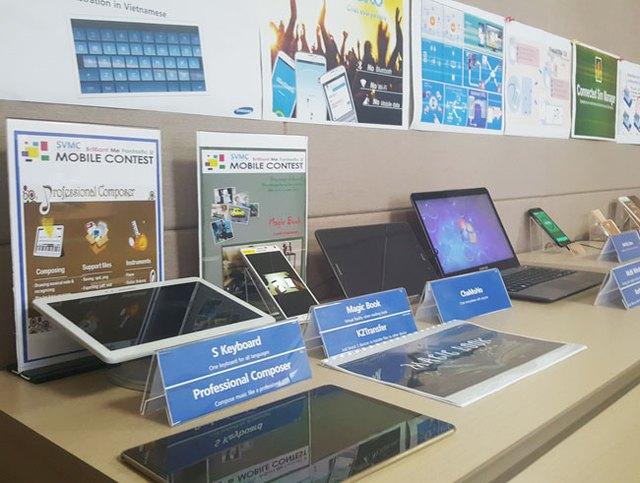 Một số ứng dụng do SVMC phát triển được tích hợp vào tablet, smartphone. Ảnh: Nguyên Đức.