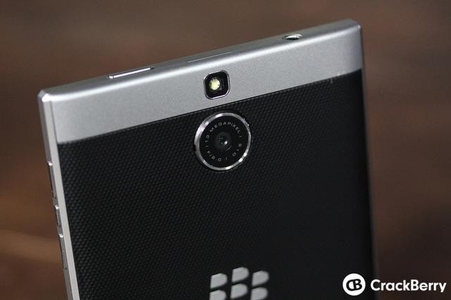 BlackBerry Passport Silver Edition photo gallery