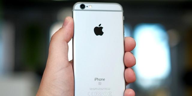 Những tranh luận giữa Apple và chính phủ Mỹ đang đi tới hồi căng thẳng