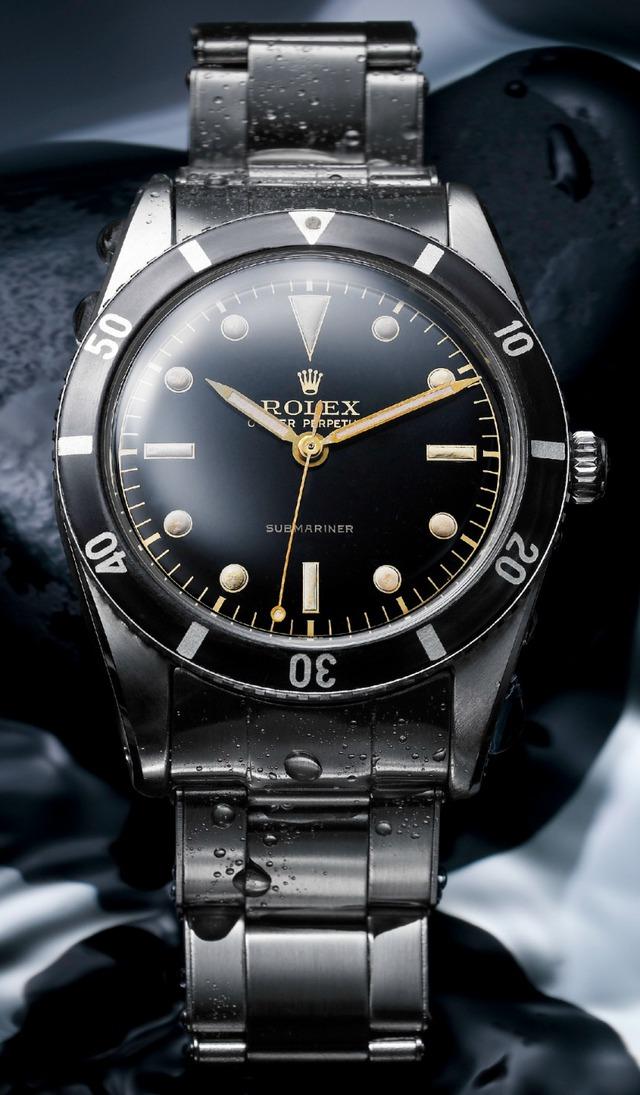 Chiếc đồng hồ Rolex Submariner đầu tiên ra đời cách đây hơn 50 năm không có nhiều khác biệt so với mẫu Submariner hiện hành.