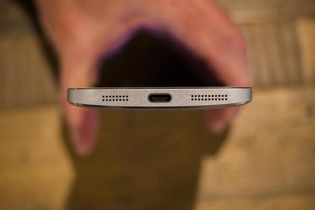 LeTV là một trong số ít thương hiệu smartphone đã áp dụng chuẩn USB Type-C