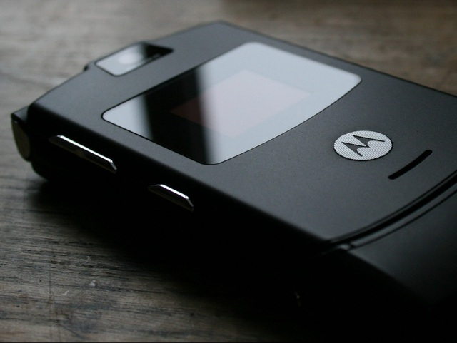 Motorola RAZR V3 đã đi vào huyền thoại của dòng di động nắp gập