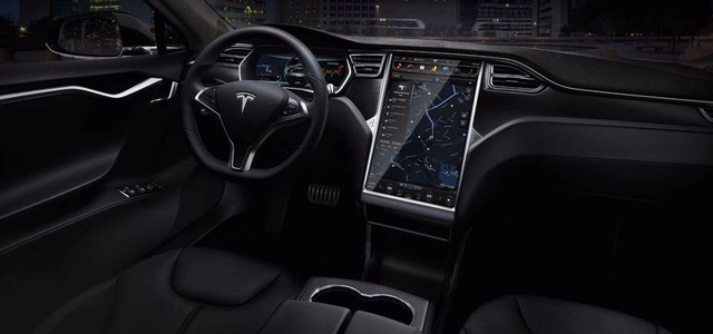 The Tesla Model S P85 D interior remains unchanged