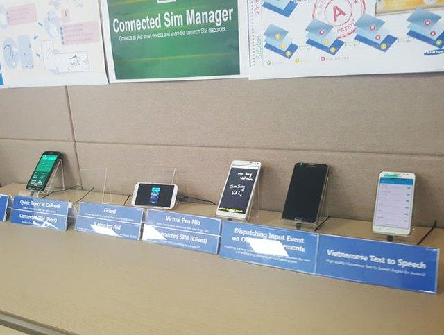 Những ứng dụng mới nhất do người Việt làm tại SVMC phát triển được tích hợp vào smartphone. Ảnh: Nguyên Đức.