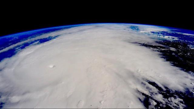 Siêu bão Patricia được chụp từ trạm ISS.