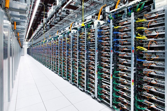Trung tâm dữ liệu của Google, nơi tốc độ mạng nhanh gấp 200 nghìn lần nhà  bạn
