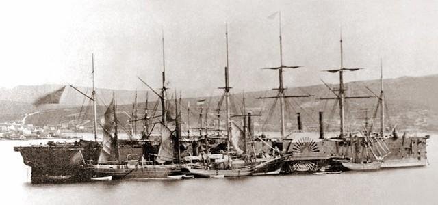 Hệ cáp biển đầu tiên được đặt ở eo biển Anh năm 1850, chúng là các cáp điện báo. Đây là con tàu làm nhiệm vụ lịch sử này.