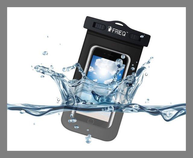 Chơi đùa dưới nước thoải mái với túi chống nước FriEQ.