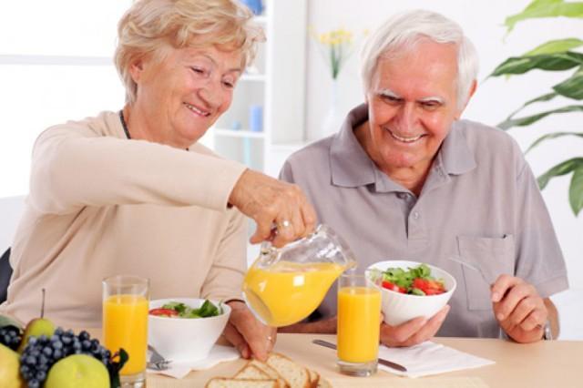 Hãy tăng cường các thực phẩm cung cấp đường tự nhiên như hoa quả. Ảnh: Internet