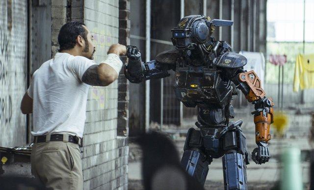 Chúng ta có thể chế tạo ra những con robot giống con người 100% hay không?